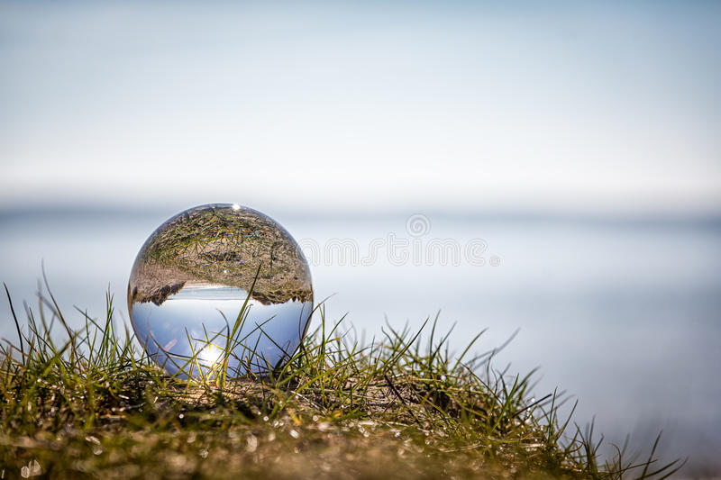 Crystal Ball Seaside photographie stock libre de droits