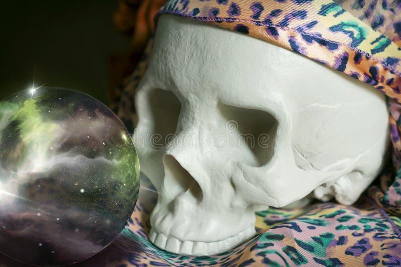 Crystal Ball Universe Skull imágenes de archivo libres de regalías