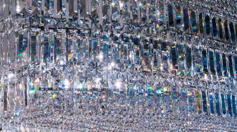 Crystal Chandelier de lujo Ciérrese para arriba en el cristal de un contempo foto de archivo