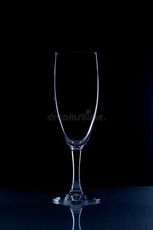 Crystal exponeringsglas på svart bakgrund royaltyfri bild