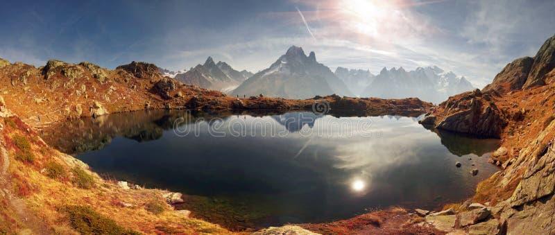 Crystal Lakes Chamonix en las montañas foto de archivo