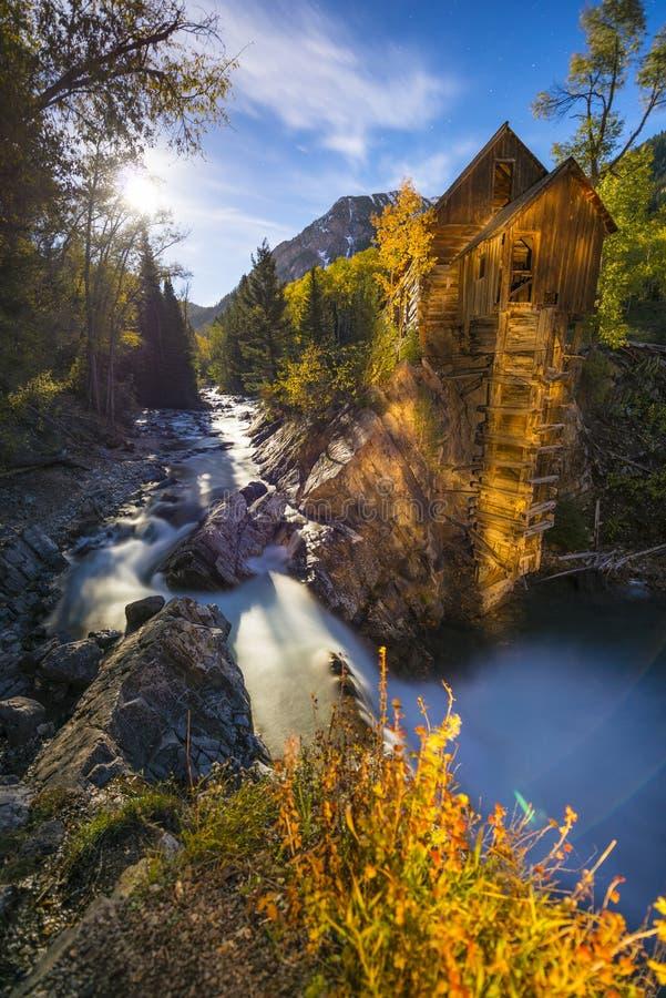 Crystal Mill al paesaggio di Colorado di notte fotografie stock libere da diritti