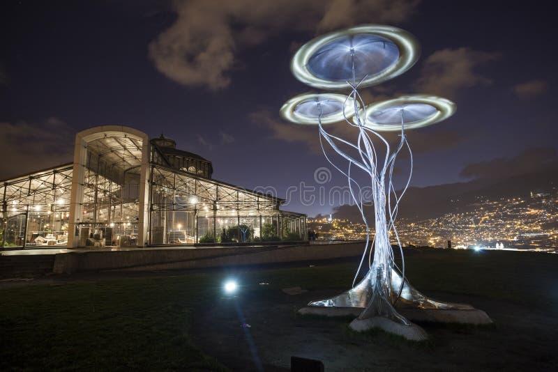 Crystal Palace y escultura dinámica imágenes de archivo libres de regalías