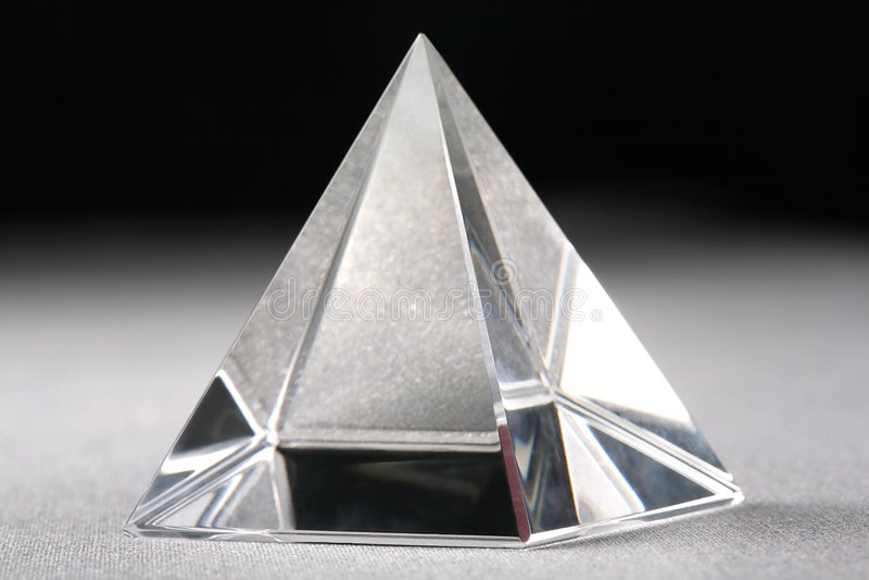 crystal pyramid royaltyfri fotografi