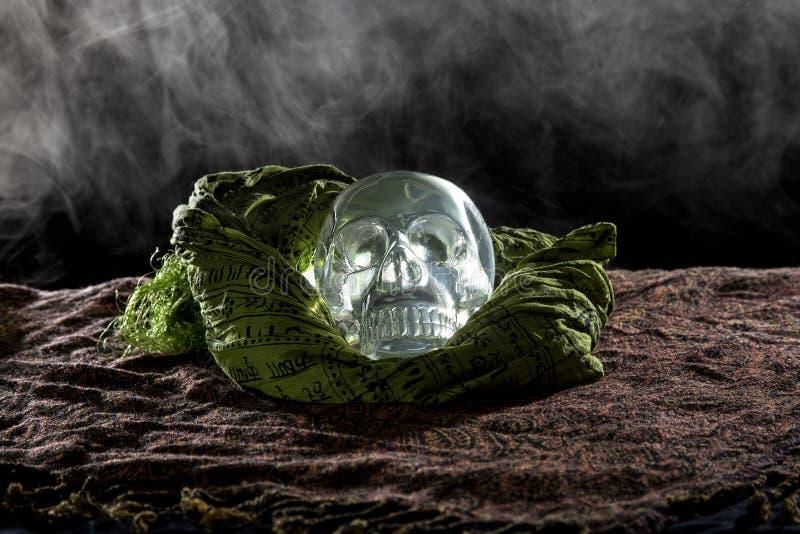 Crystal Skull fumoso fotografia stock libera da diritti