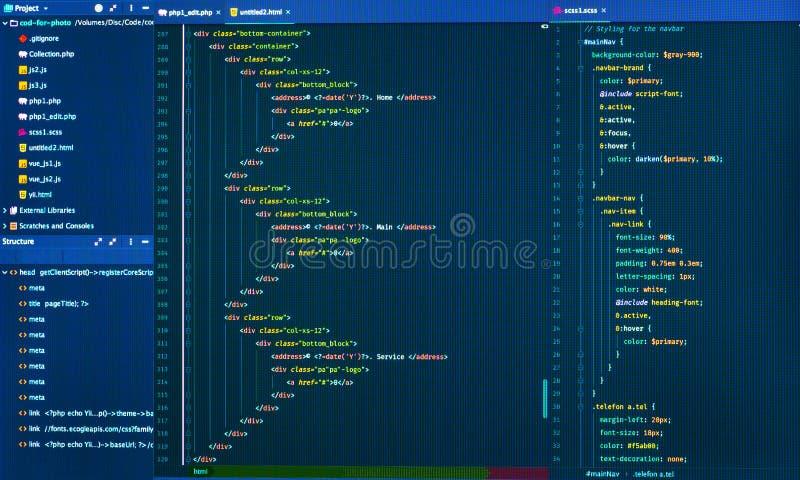 Css和html网络设计代码在编辑,正面图 站点设计的发展 免版税库存图片