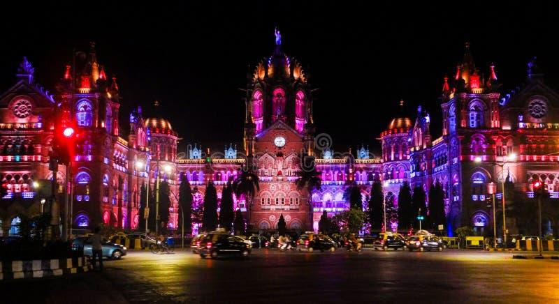 CST FÖR UNESCOARVPLATS I MUMBAI INDIEN arkivbild