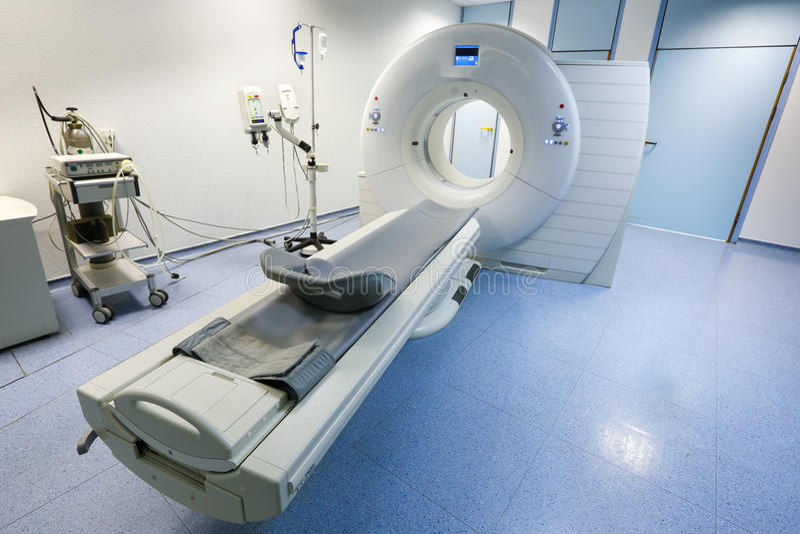 CT (Obliczająca tomografia) przeszukiwacz w szpitalu zdjęcia royalty free