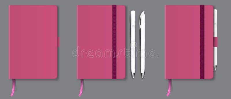 Cuaderno duro realista de la cubierta del rosa con la señal, la cinta y la pluma rojas Ilustración del vector ilustración del vector