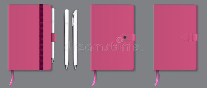Cuaderno duro realista de la cubierta del rosa con la señal, la cinta y la pluma rojas Ilustración del vector libre illustration