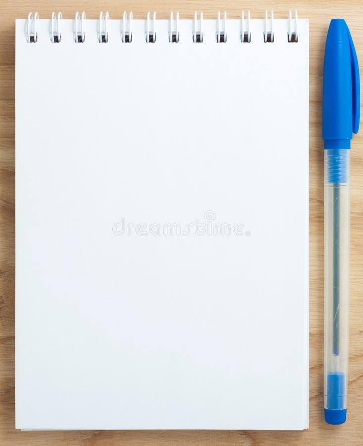 Cuaderno en blanco espiral fotografía de archivo