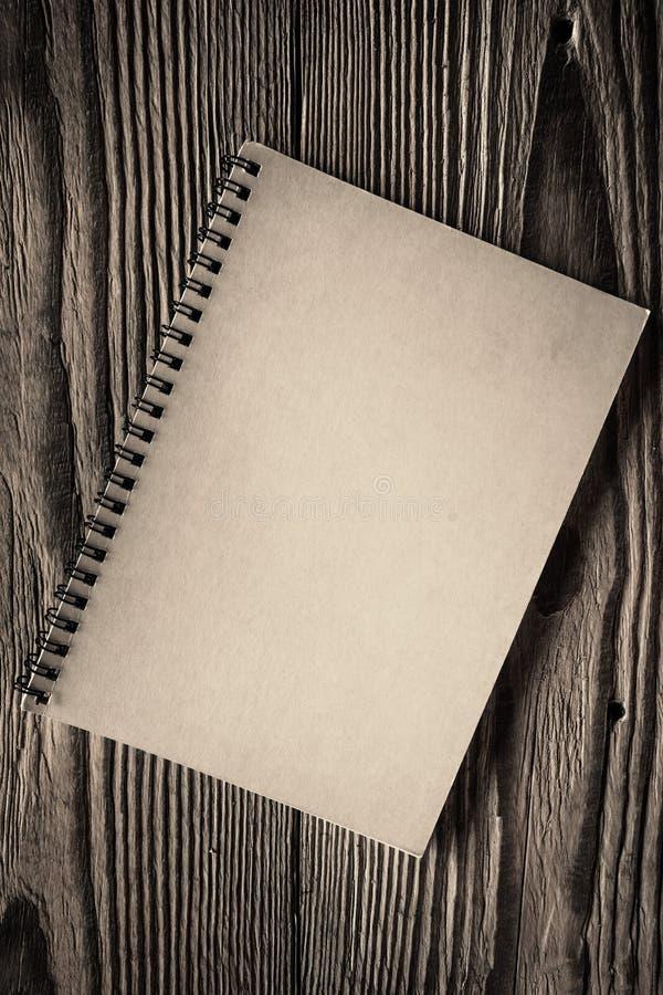 Cuaderno espiral de papel aislado foto de archivo libre de regalías