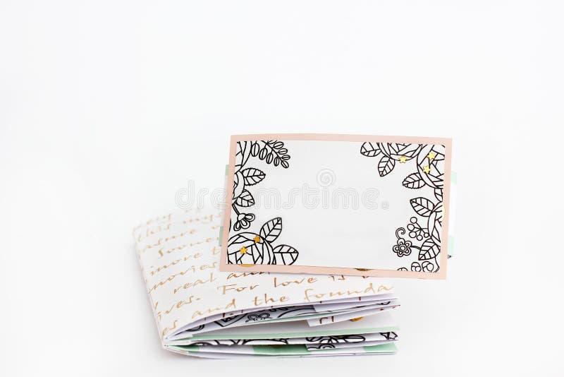 Cuaderno hecho a mano en un fondo blanco foto de archivo libre de regalías