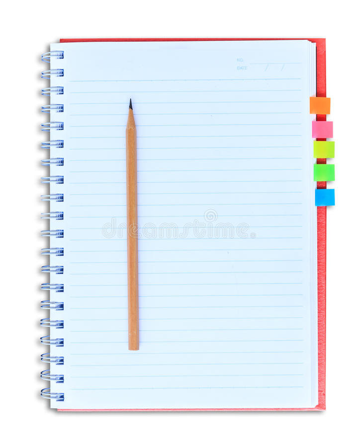 Cuaderno rojo y lápiz aislados en el fondo blanco con clippi fotografía de archivo