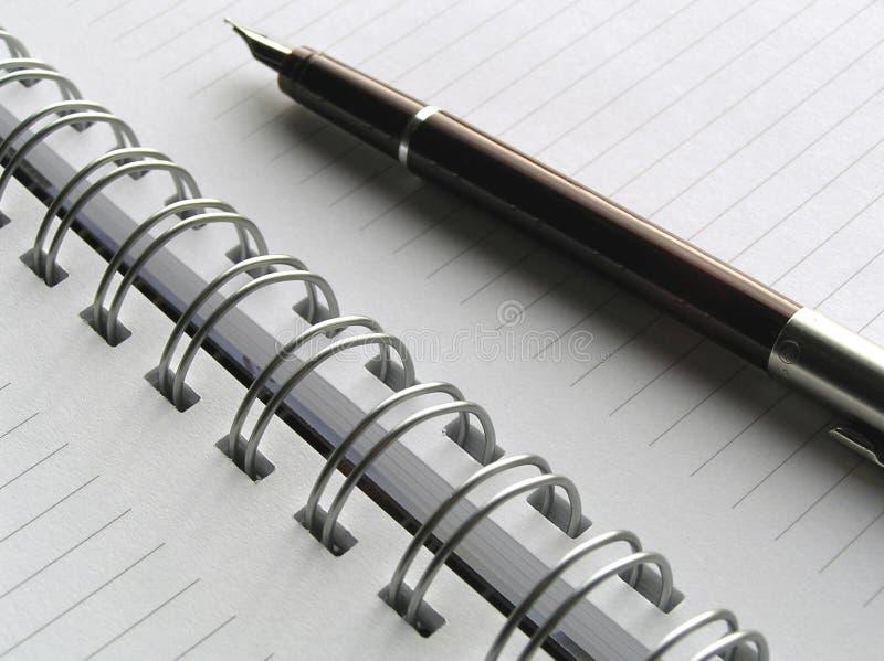 Cuaderno y pluma 6 fotografía de archivo libre de regalías