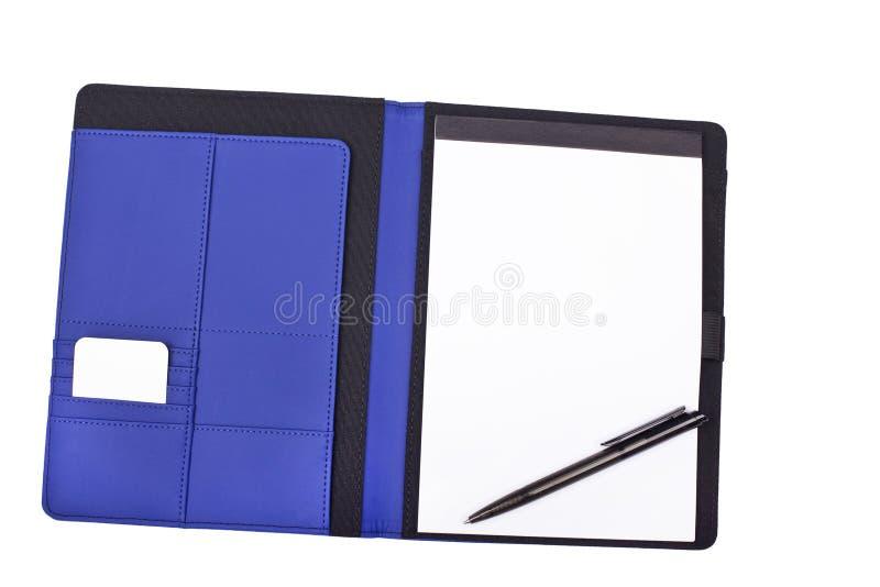 Cuaderno y pluma en blanco foto de archivo libre de regalías