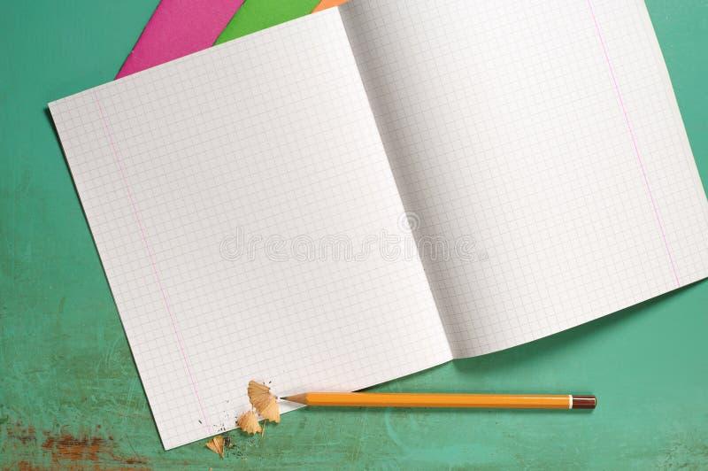 Cuadernos y lápices fotos de archivo libres de regalías