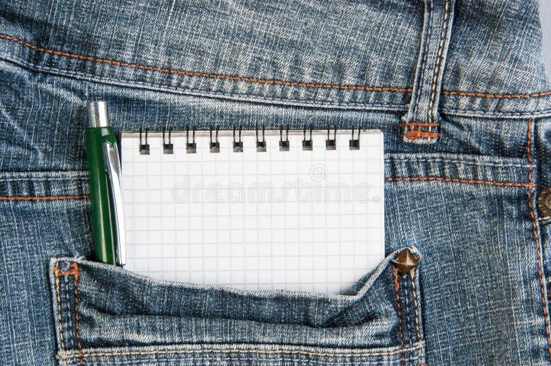 Download Cuadernos Y Pluma En Bolsillo Imagen de archivo - Imagen de compras, texto: 100529831