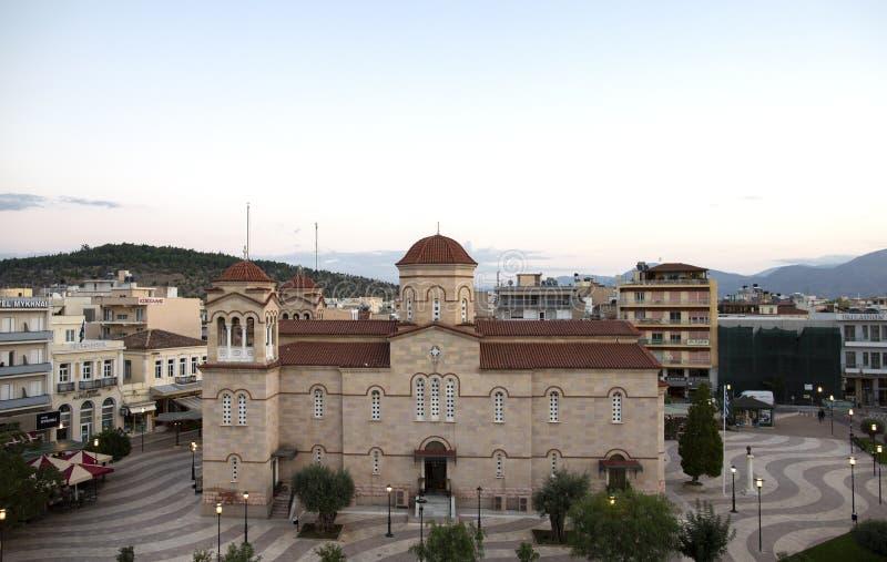 Cuadrado central en Argos, Grecia Vista del cuadrado del santo Andrew Agios Andreas, la plaza principal de la ciudad de Argos, Pe foto de archivo libre de regalías