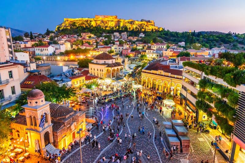Cuadrado de Atenas, de Grecia - de Monastiraki y acrópolis fotografía de archivo libre de regalías