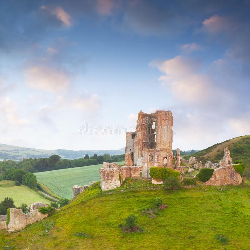 Cuadrado de Dorset Inglaterra del castillo de Corfe fotos de archivo