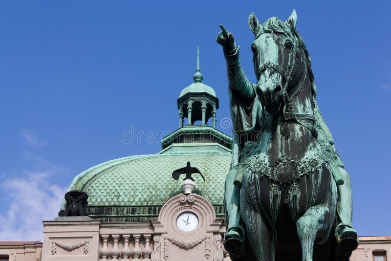 Cuadrado de la república, príncipe Mihailo Monument, Belgrado fotos de archivo libres de regalías