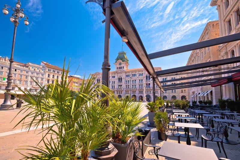 Cuadrado de la UNITA d Italia de la plaza en la opini?n de Trieste imagen de archivo