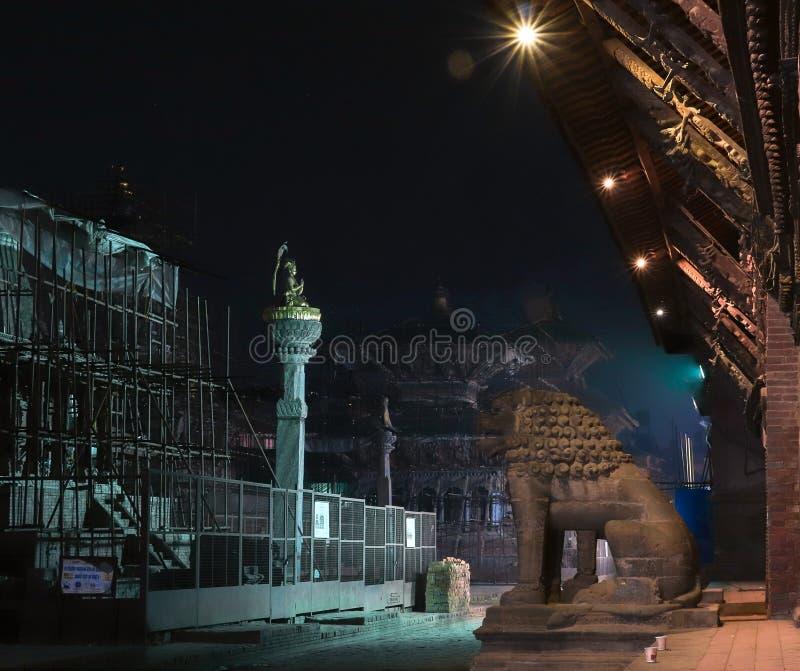 Cuadrado de Patan Durbar en la noche fotos de archivo