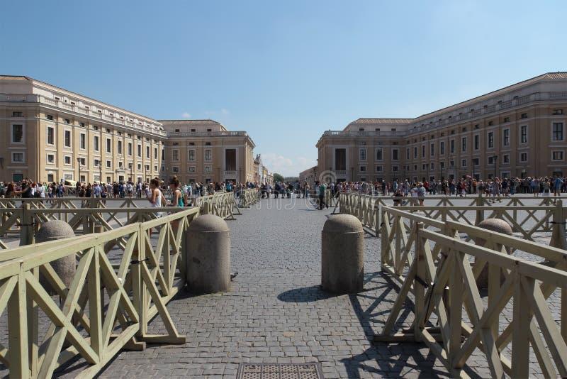 Cuadrado de Peter Basilica del santo fotografía de archivo libre de regalías