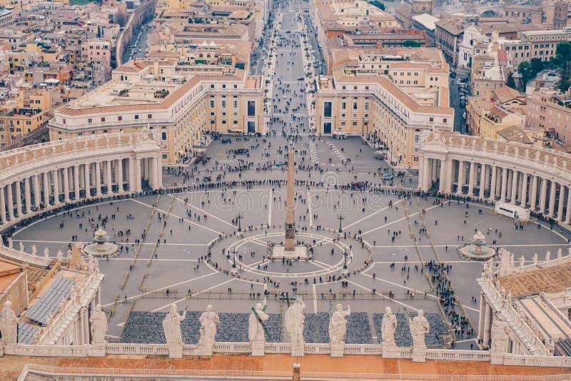 Cuadrado de Roma St Peters según lo considerado desde arriba de la visión aérea en Roma, imagen de archivo