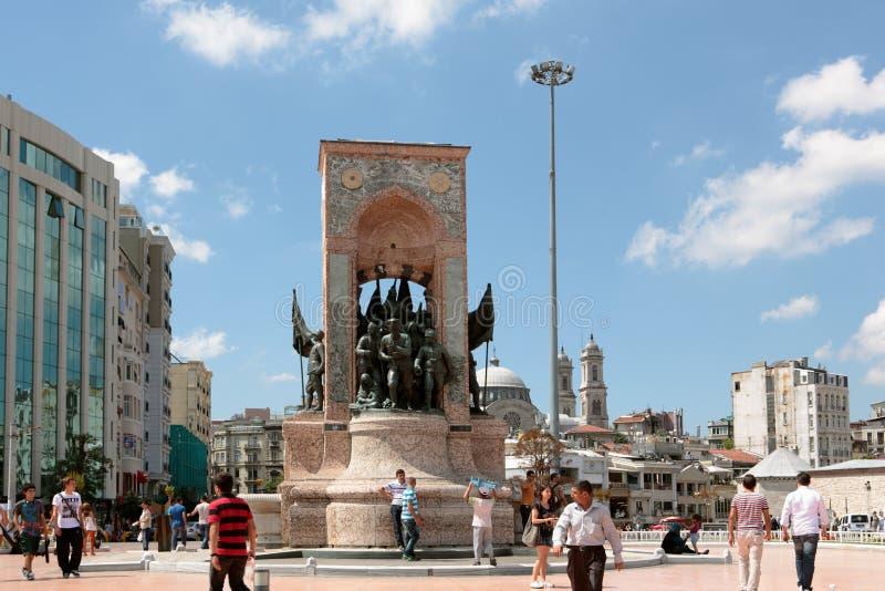 Cuadrado de Taksim en Estambul fotografía de archivo libre de regalías