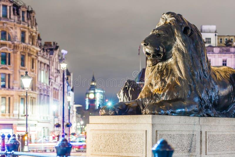 Cuadrado de Trafalgar en tiempo de la Navidad, Londres fotos de archivo