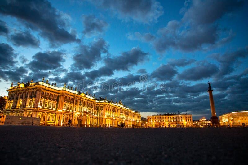 Cuadrado del palacio, St Petersburg, Rusia foto de archivo libre de regalías