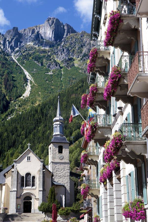 Cuadrado del pueblo de Chamonix Mont Blanc, Francia fotos de archivo