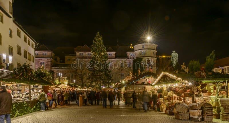 Cuadrado en el tiempo del mercado de Navidad, Stuttgart de Schiller foto de archivo libre de regalías