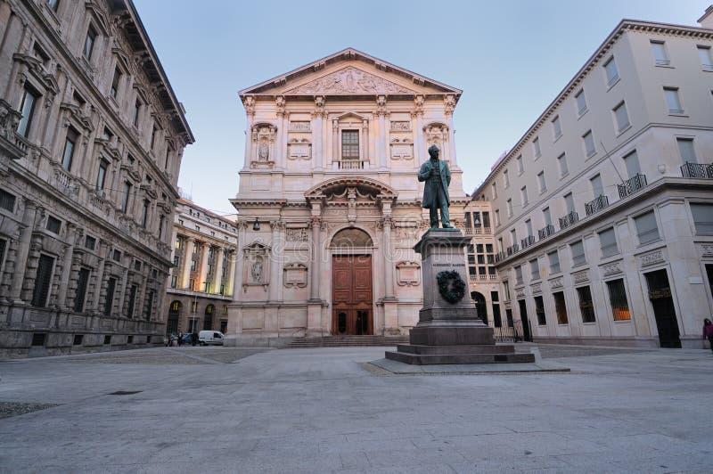 Cuadrado Milano céntrica Italia de San Fedele fotos de archivo libres de regalías