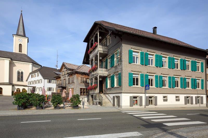 Cuadrado principal Pueblo de Alberschwende, estado de Vorarlberg, Austria fotografía de archivo libre de regalías