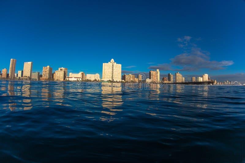 Cuadro Durban del Océano Índico de la foto del agua frente al mar imagen de archivo libre de regalías