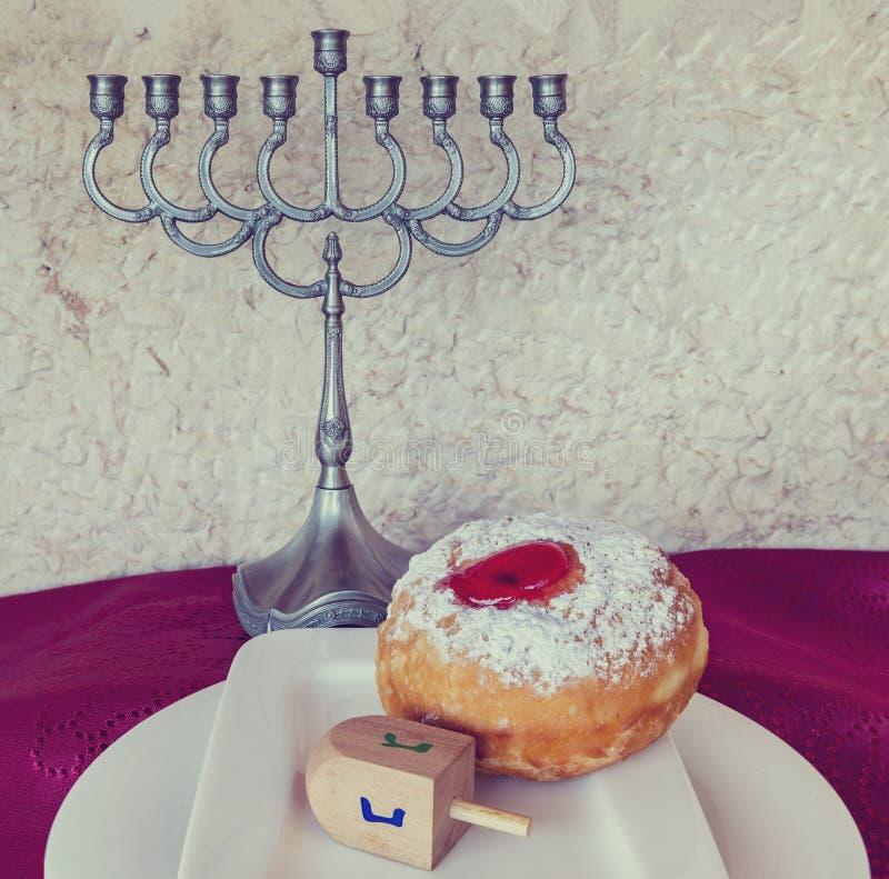 Cualidades y símbolos judíos del día de fiesta de Jánuca imagen de archivo libre de regalías