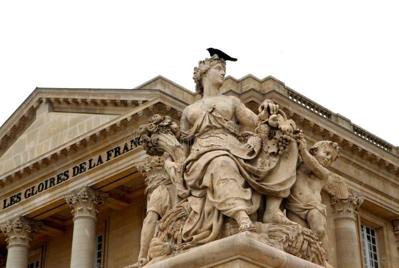 Cuando en París Castillo francés Versalles, escultura del ciclo de vida fotografía de archivo