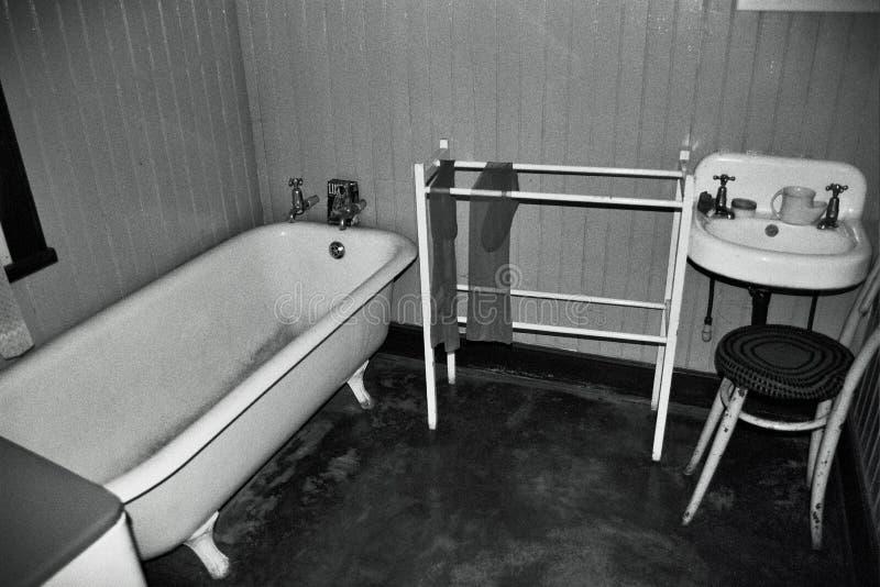 Cuarto de baño blanco y negro imágenes de archivo libres de regalías