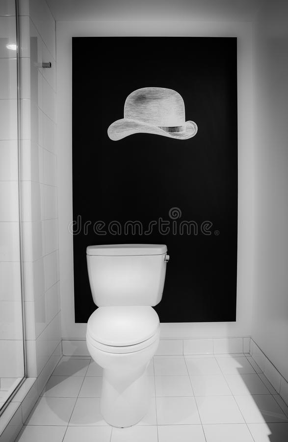 Cuarto de baño blanco y negro foto de archivo