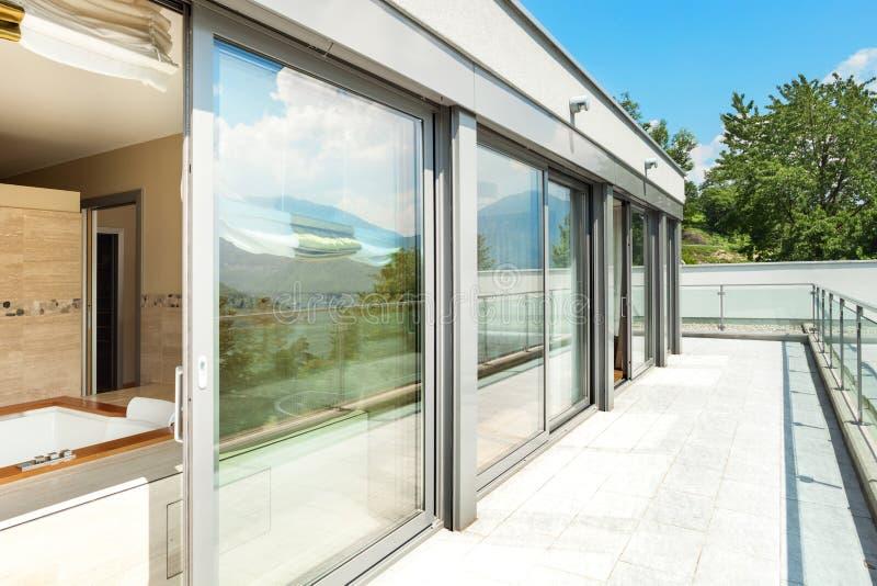 Cuarto de ba o con el jacuzzi de la terraza foto de - Jacuzzi de terraza ...