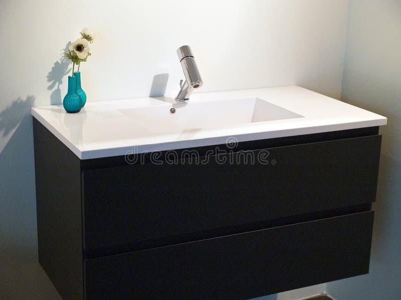 Cuarto de baño contemporáneo moderno del diseñador imagenes de archivo