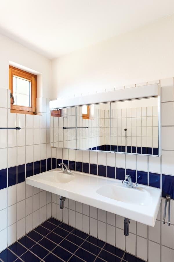 Cuarto de baño interior, agradable fotos de archivo libres de regalías