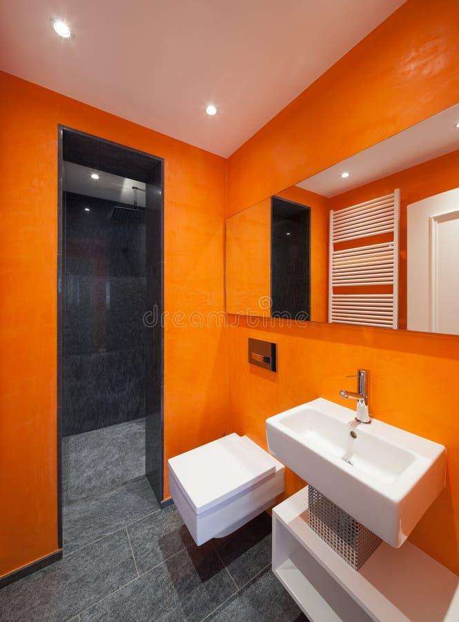 cuarto de baño interior, moderno foto de archivo