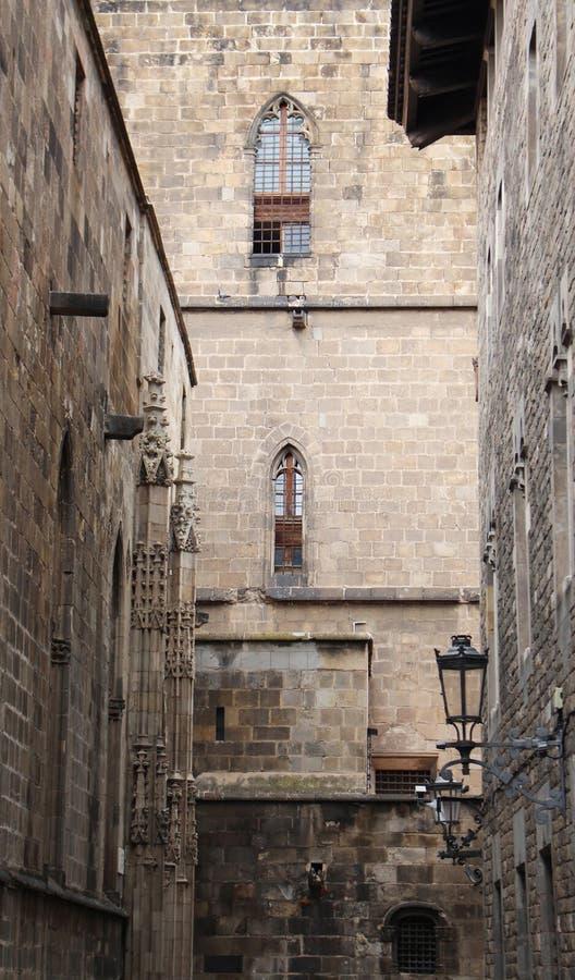 Cuarto de Barri Gotic de Barcelona, Catalu?a, Espa?a Paredes de ladrillo del edificios históricos foto de archivo libre de regalías