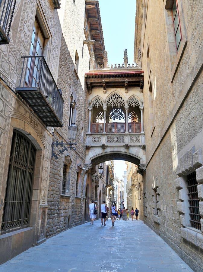 Cuarto gótico en Barcelona, España foto de archivo