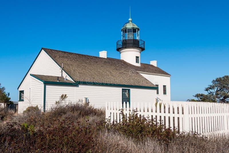 Cuartos auxiliares y viejo punto Loma Lighthouse del ` s del encargado imagen de archivo