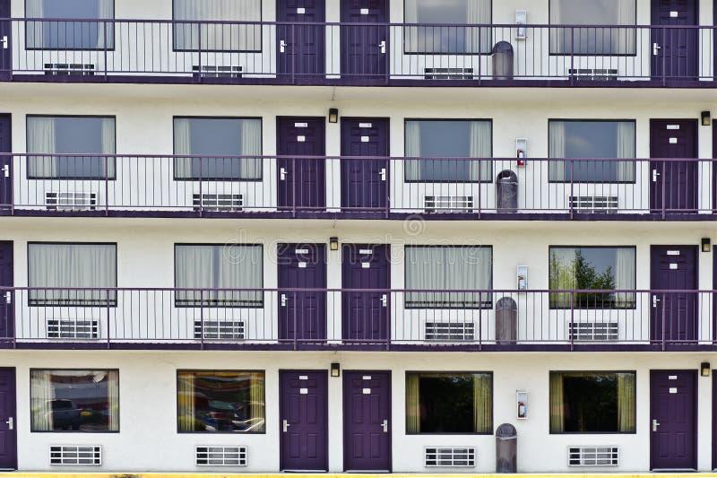 Cuartos de motel del centro turístico fotografía de archivo libre de regalías